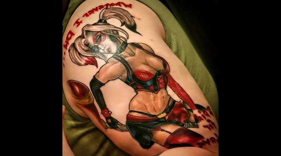 Harley Quinn Pin Up Arm