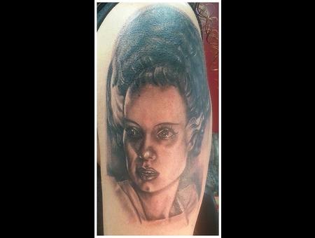 Brideoffrankenstein  Frankenstein  Portrait  Realism  Horror Arm