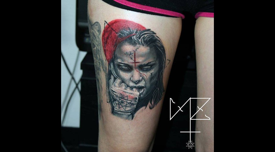 Portrait Grey Color Thigh