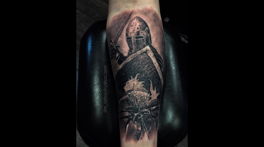 Soldier  Scottish  Historical  Armour  Sword  Realism  Realistic Forearm