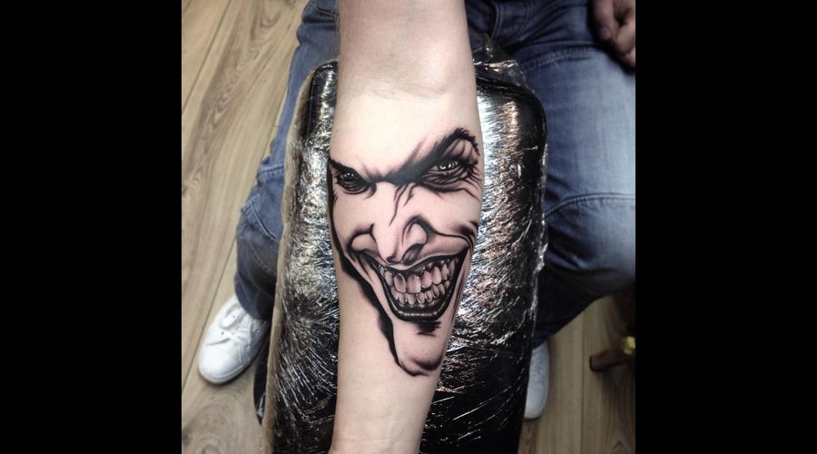 Joker Forearm