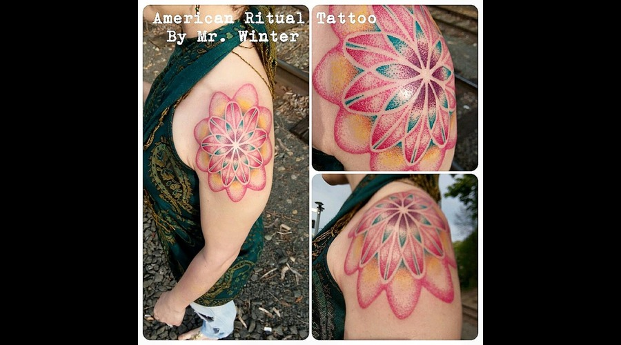 Mandala  Dotwork  Geometric  Sacred Geometry  Spirograph   Arm