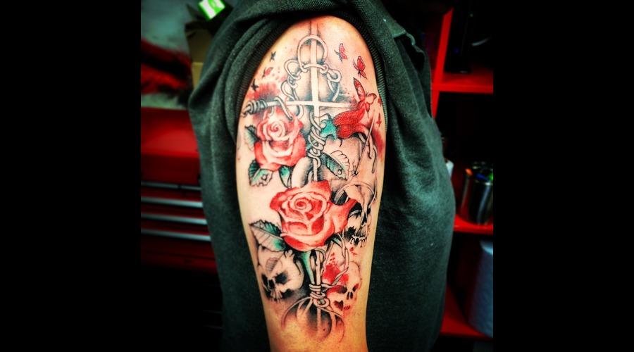 Roses Skulls Cross Trashpolka Arm