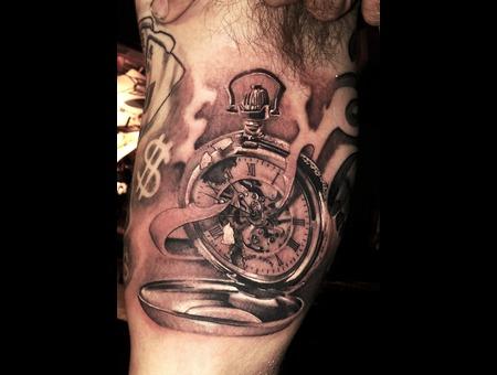 Pocket Wattch Skelleton Tattoo Black Grey Arm