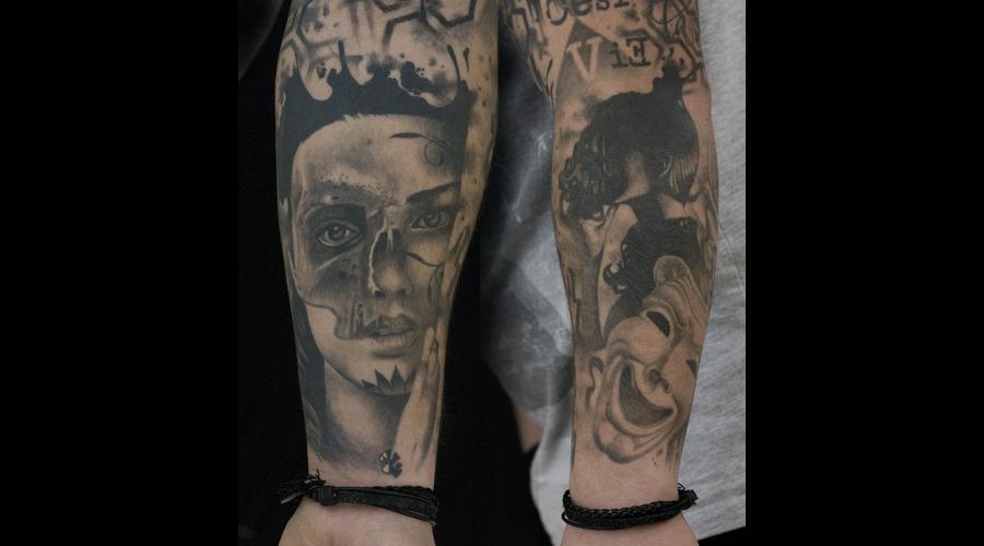 Skullface  Mask Arm
