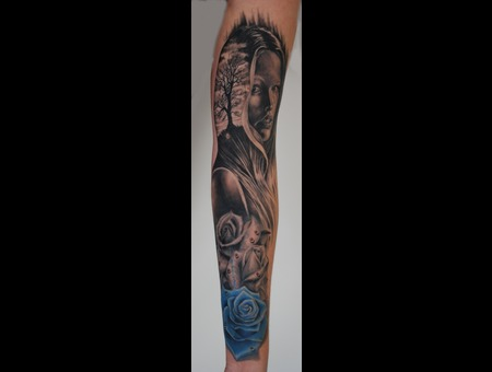 Mother Nature Realistic Roses Arm