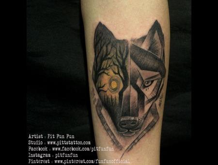 Geomatric Wolf Forearm
