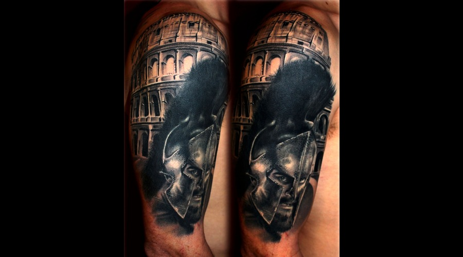 Roman  Gladiator  Spartan Warrior  Colosseum Arm