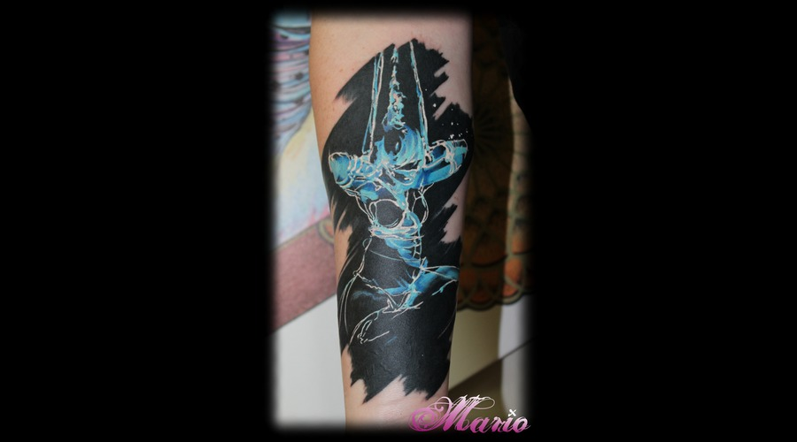 Bdsm Lady Color Forearm