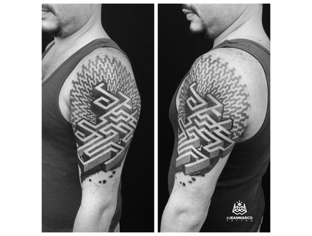 Dotwork Maze Shoulder