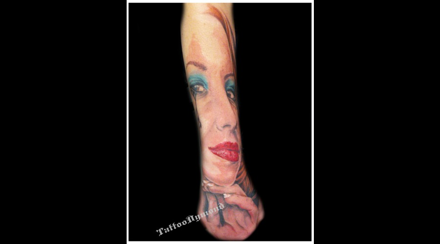Pin Up  Woman  Face  Sensual Color Forearm