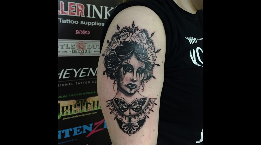 #Blackandgreytattoos #Womentattoo #Victoriantattoos Black Grey Arm