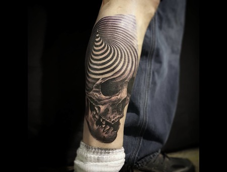 Skull  3d  Spiral  Realisim Black Grey Thigh