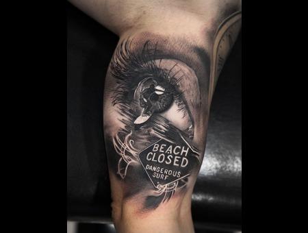 Realism Black Grey