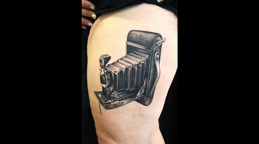 Realism  Camera  Antique  Kodak Black Grey Thigh