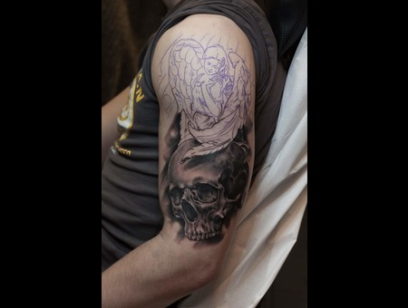 Skull Schädel Angel  Black Grey Arm