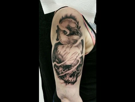 Swan Skull Schädel Arm Black Grey Arm