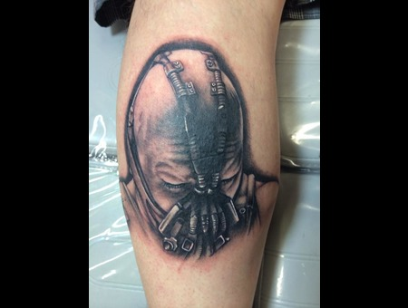 #Bane #Banebatmantattoo #Baneportraittattoo #Tattoo #Reno #Renotattoo #Hash Black Grey Lower Leg