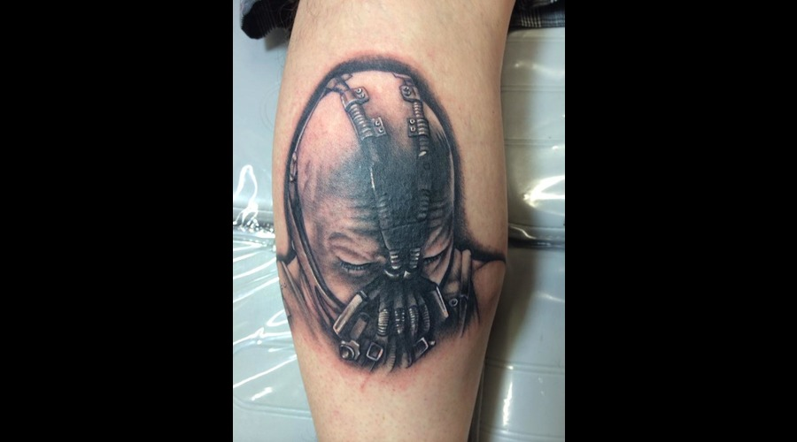 #Bane #Banebatmantattoo #Baneportraittattoo #Tattoo #Reno #Renotattoo #Hash Black Grey Lower Leg