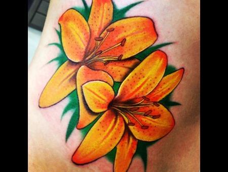 #Lily #Lilytattoo #Tattoo #Reno #Renotattoo #Hashtag #Tattooshop #Cheatingh Color Ribs