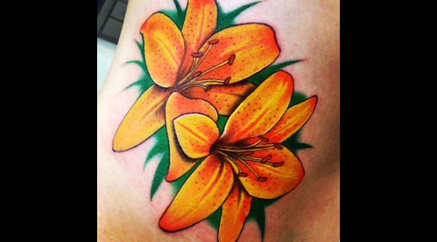 #Lily #Lilytattoo #Tattoo #Reno #Renotattoo #Hashtag #Tattooshop #Cheatingh Color Ribs