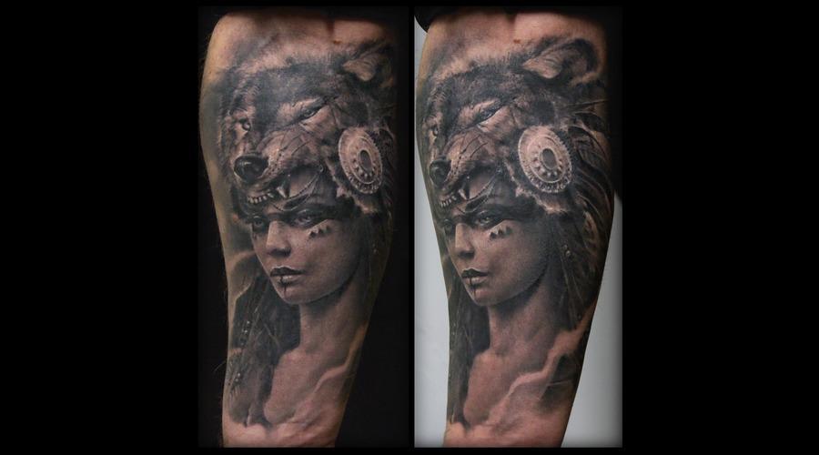 Wolf  Inca Black Grey Forearm