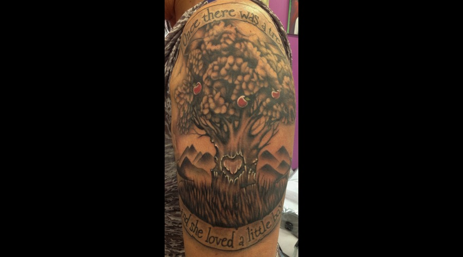 #Thegivingtree #Givingtreetattoo #Tattoo #Reno #Renotattoo #Hashtag #Tattoo Black Grey Shoulder