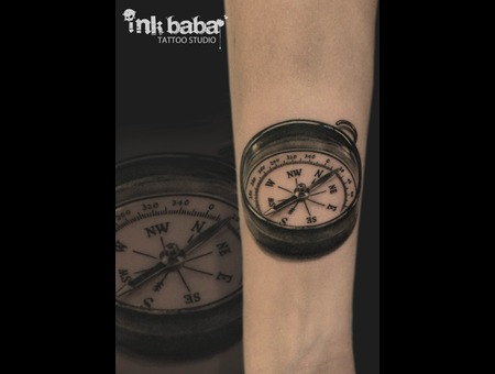 Compass  Black Grey Arm