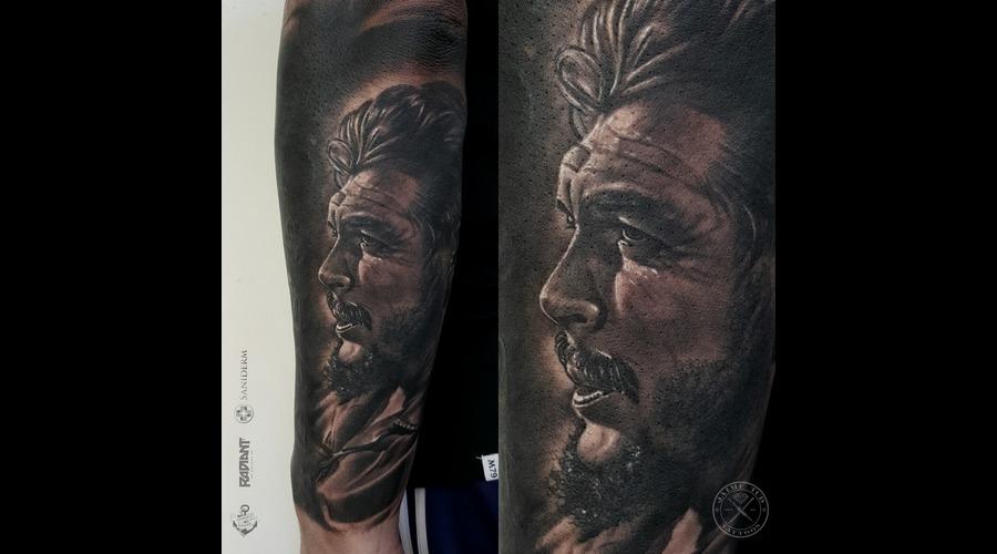 Che Guevara  Ernesto Guevara  Portrait  Realism Black Grey Arm