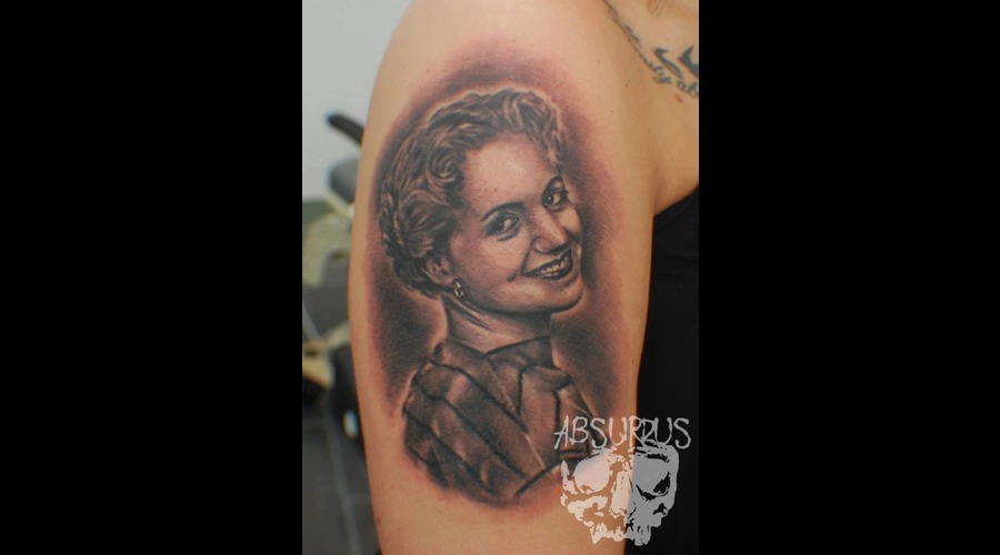 Portrait Blackandgrey Realism Black Grey Shoulder