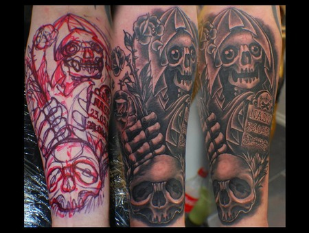 Freehand  Skull  Roses  Death  Blackandgrey Black Grey Forearm