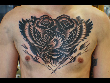 Traditional  Eagle  Roses Black Grey