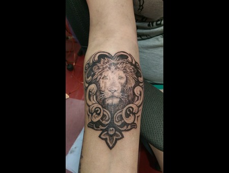 Lion Black Grey Forearm
