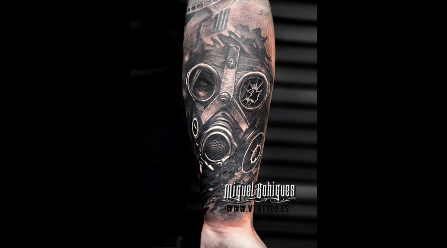 Gas Mask  Realism Black Grey