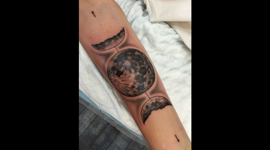Moon Black Grey Forearm