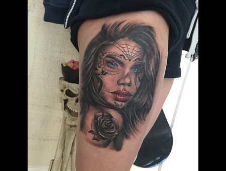 #Realism #Realistictattoo #Portrait #Lacatrina #Blackandgreytattoo Black Grey Thigh