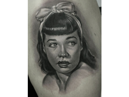 Bettie Page  Pinup  Black And Grey  Portrait   Realism  Black Grey Arm