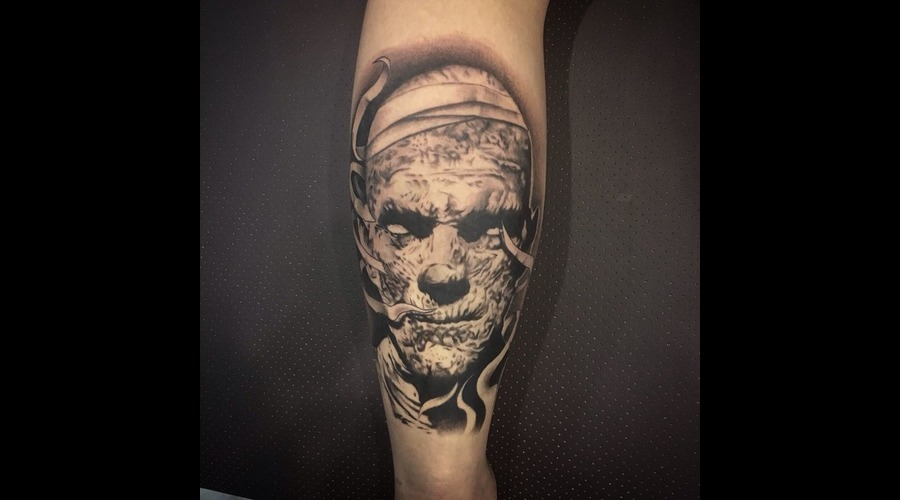 Mummy Black Grey Lower Leg
