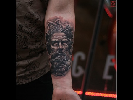 Montreal Tattooartist Gabor Zsil Black Grey Arm