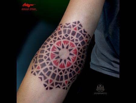 Dotwork Mandala Color Arm