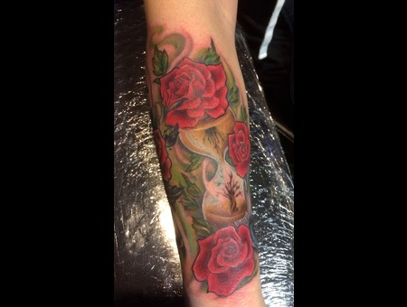 Colorful Roses Hourglass Color Forearm