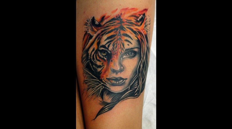 Tiger  Lady  Portrait  Beautiful  Woman  Stunning  Detailed  Amazing   Color Thigh