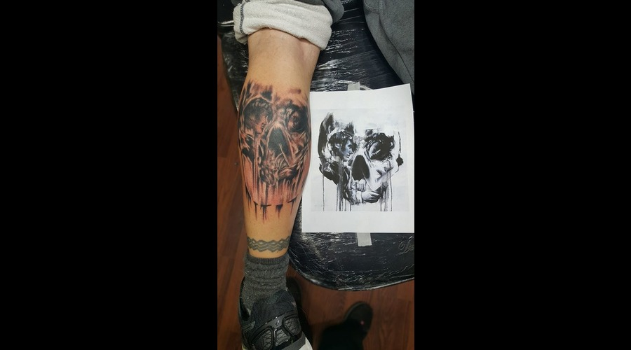Optical Illusion Skull Black Grey