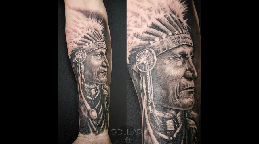 Indian  American  Chief Black Grey Arm