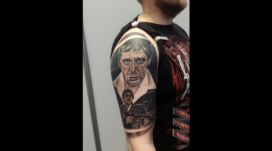 Toni Montana  Al Pacino  Scarface Black Grey Shoulder