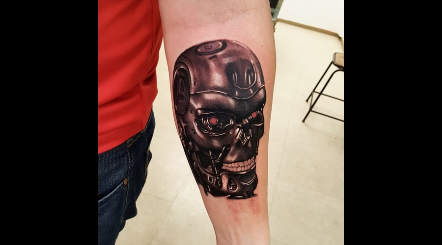 Robot  Terminator  Portrait Black Grey Arm