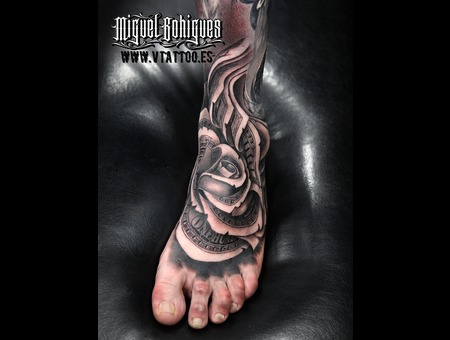 Rose Dollar  Realism Black Grey