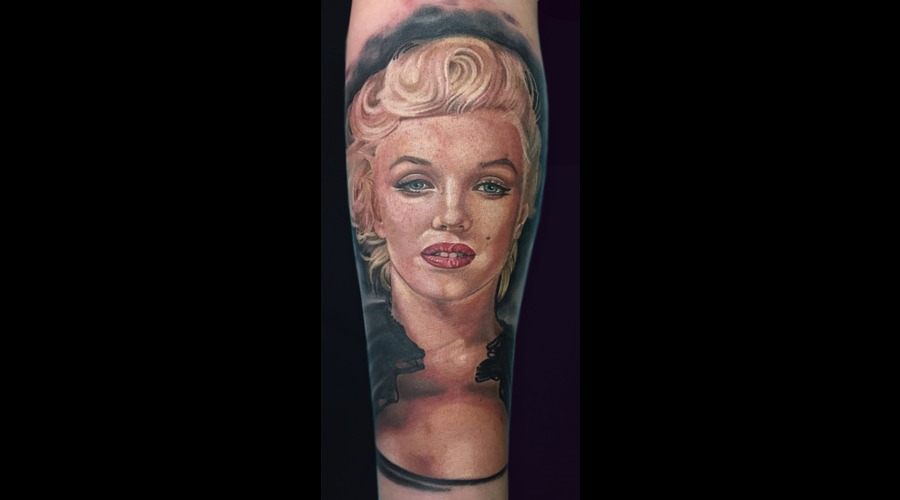 Portrait  Realism Color Arm