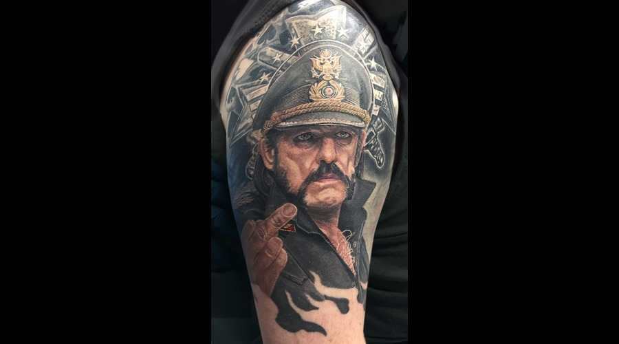 Portrait  Realism Arm