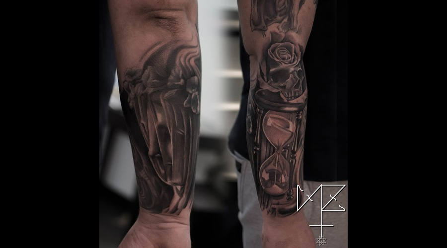 Statue  Houglass  Sand Clock  Skull  Rose Black Grey Forearm
